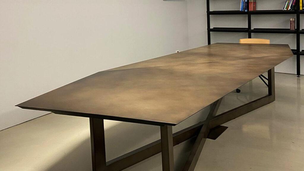 Lamiera tavolo design sala riunioni